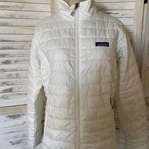 New woman's Patagonia white nano puff jacket M